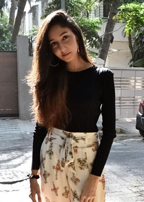 ZUBIA ARIF SHAIKH